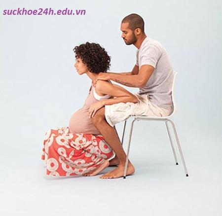 Tư thế tập luyện 2 giúp bà bầu dễ sinh, tu the tap luyen 2 giup ba bau de sinh