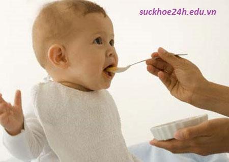 Dinh dưỡng cho trẻ em dưới 1 tuổi, che do dinh duong cho tre em duoi 1 tuoi