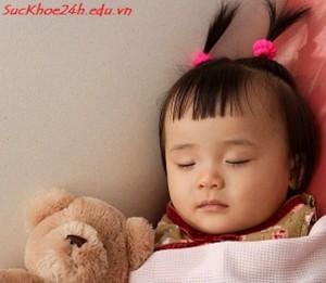 Tạo thói quen cho bé ngủ riêng