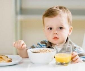 6 cách giúp bé ăn ngon và nhiều hơn