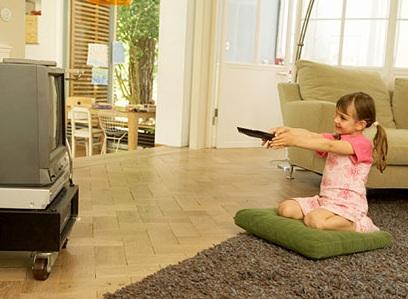 Tác hại của tivi đối với sức khỏe trẻ em, tac hai cua tivi doi voi suc khoe tre em