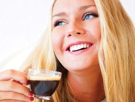 Lạm dụng cà phê khiến vòng 1 kém phát triển, lam dung ca phe khong tot cho vong 1
