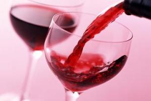 Cách làm đẹp da từ rượu vang, cach lam dep da tu ruou vang