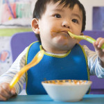Cách bổ sung lượng muối phù hợp với thức ăn của trẻ