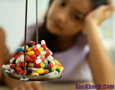 Không nên cho trẻ uống quá nhiều thuốc bổ trung dược
