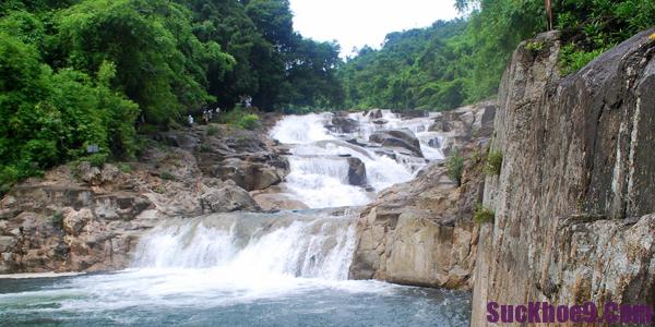 Du lịch Nha Trang khám phá và trải nghiệm những con suối thác đẹp và hùng vĩ nhất