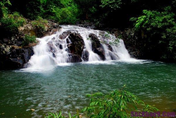 Con thác đẹp, hùng vĩ và dài nhất Khánh Hòa