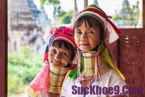 Du lịch Chiang Mai tháng 3 có gì thú vị: Thăm quan làng cổ dài